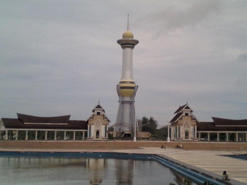 [Indonésie] - Tugu Persatuan (Kendari) 19967810