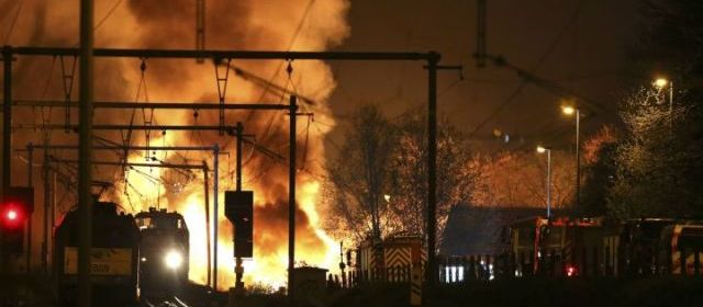 Belgique : déraillement d'un train transportant du cyanure, spectaculaire incendie 27789011