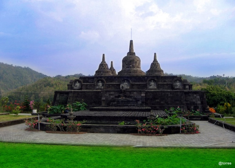 [Indonésie] - Brahmavira Arama monastère bouddhiste  40451710