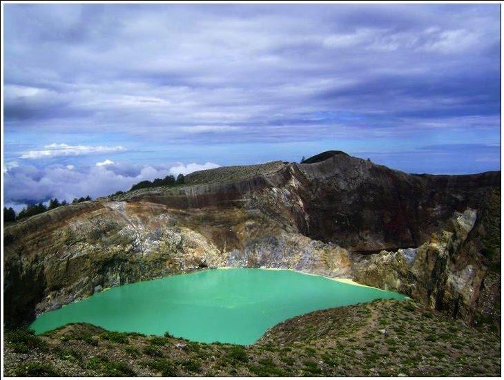 [Indonésie] - Cratère du Kelimutu (Ende Florés) 47269410