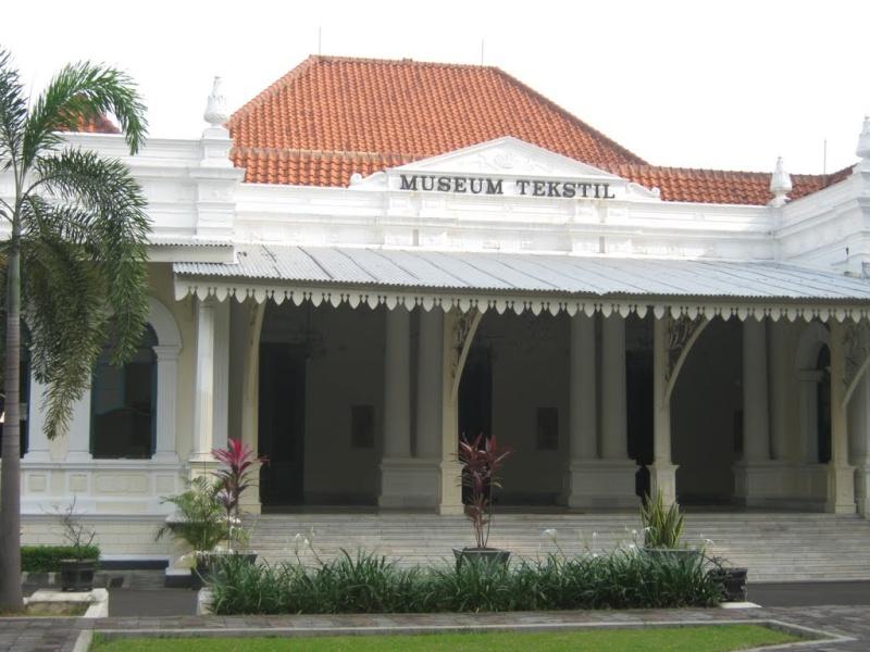[Indonésie] - Musée du Textile  Jakarta 48106610