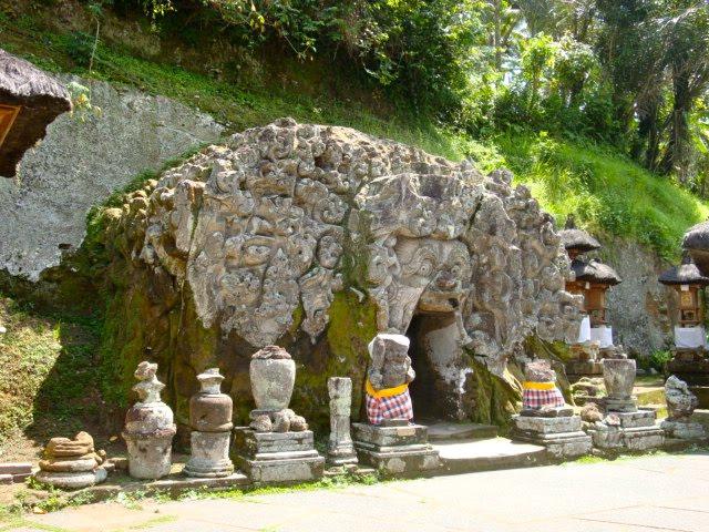 [Indonésie] - Temple Goa Gajah 67812610