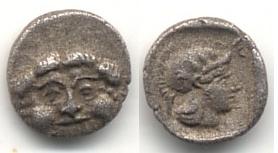 óbolo acuñado en Pamfilia, entre el 420 al 360 a. Griega13