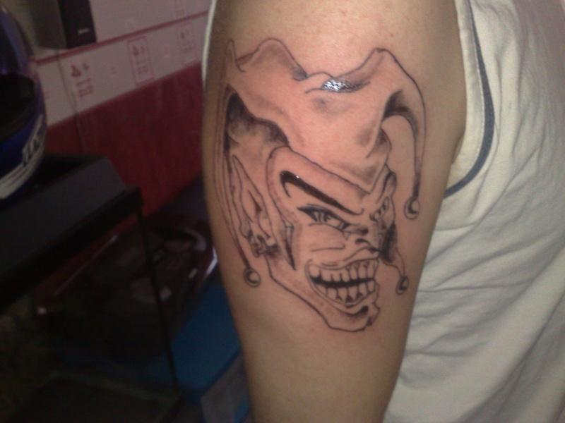 Piercing et tatouage 21022010