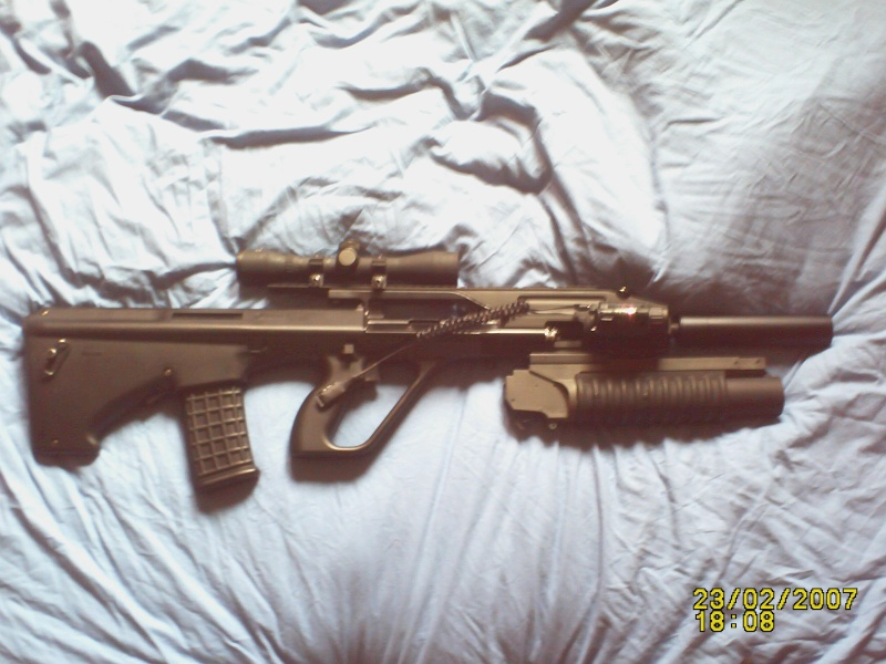 mon steyr aug A3 lance grenade Pict0011
