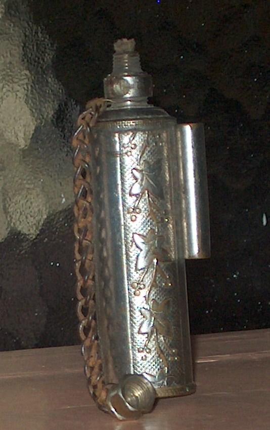 essence - Vieux briquets à essence 02112