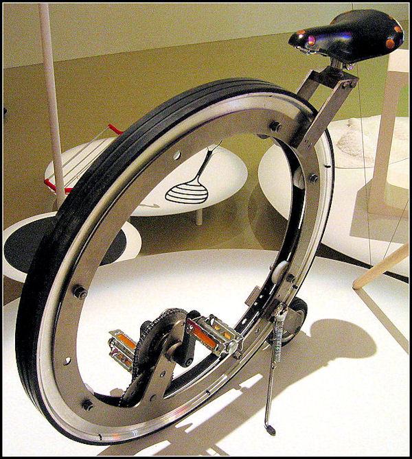Una strana bici A13