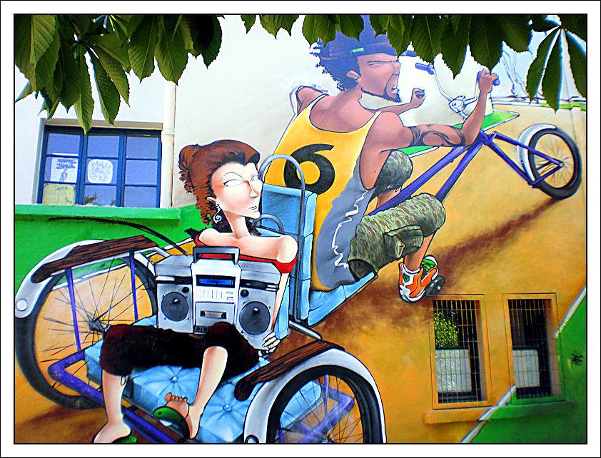 """""""La bicicletta nell'Arte"""" - Pagina 2 Graffi10"""