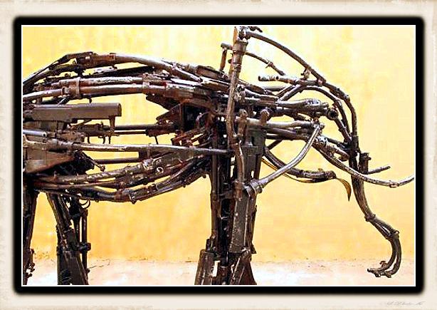 Sculture fatte con le armi - Pagina 2 Weapon40