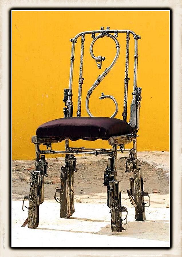 Sculture fatte con le armi - Pagina 2 Weapon42