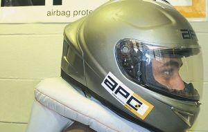 Capacete equipado com airbag Capace10