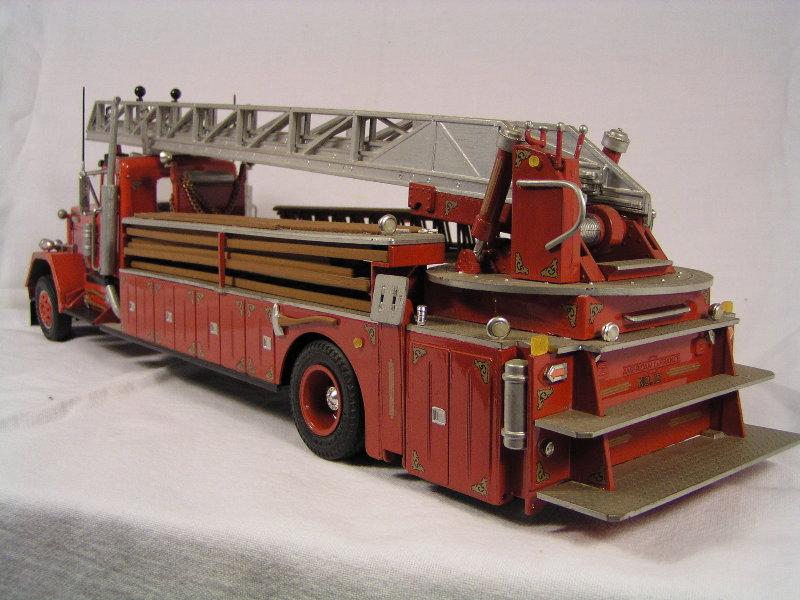 Kenworth Drehleiter 09410