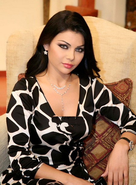 Who is the most beautiful lebanese singer?? 4_1111