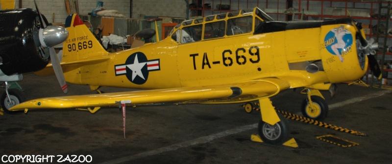 Un petit tour chez Aérorétro (LFLR) T-6210