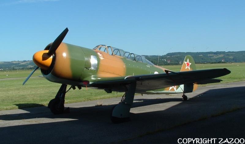 Un petit tour chez Aérorétro (LFLR) Yak-1111