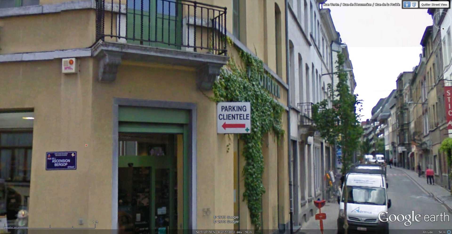 STREET VIEW : bâtiments insolites, hors normes, connus... - Page 4 2013-073
