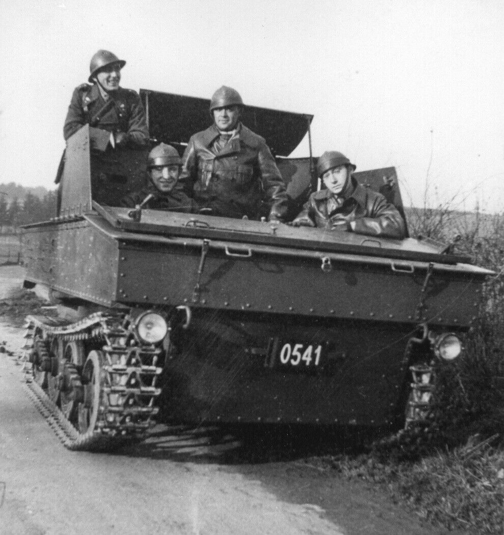 Le V.C.L. T.13 B un nouveau type de véhicule au service des Chasseurs Ardennais: Tome 1 1012