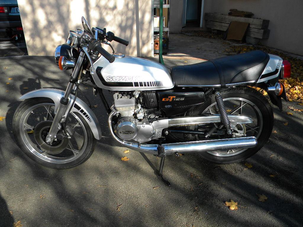 Yamaha 125 DTMX 1977 : nouveau de l'Aveyron Dscn5311