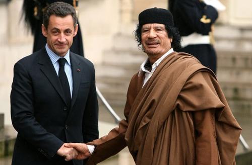 Berlusconi / Gheddafi Sarko-10