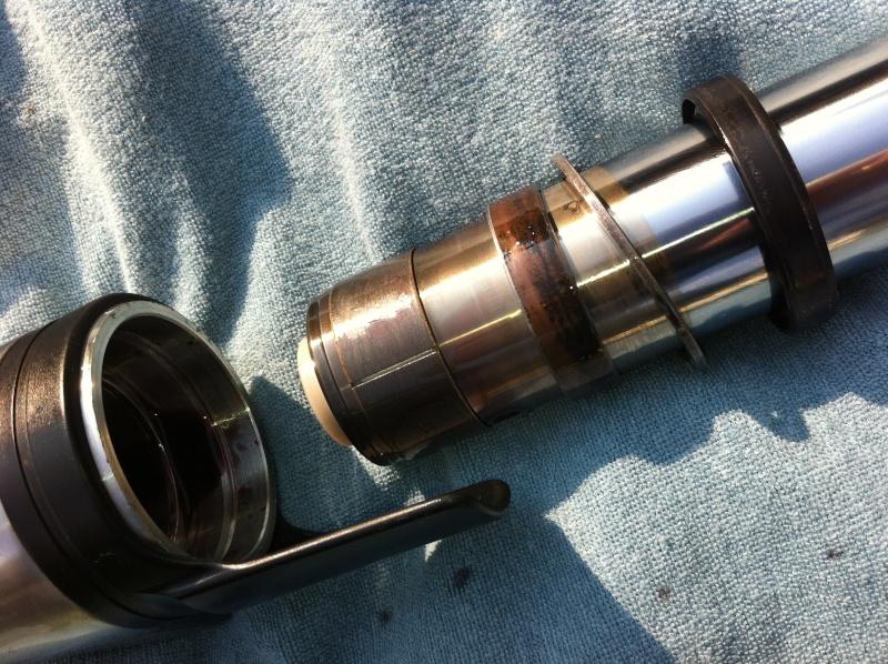 Tuto: Remplacement de joints Spy (fourche de 43mm)+ Ressorts Img_1_33