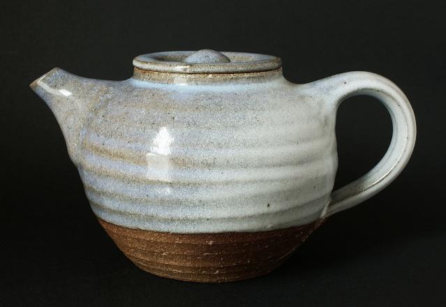 Pottery Tea Pot With SV Mark - Simon Vincent Evans  Dsc00510