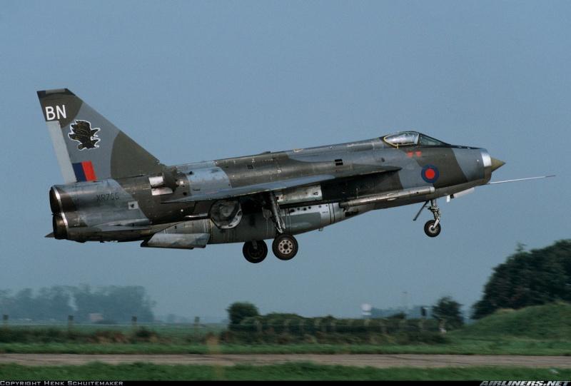 EE Lightning F-6 16509410