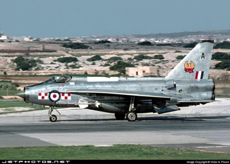 EE Lightning F-6 Xr761_10