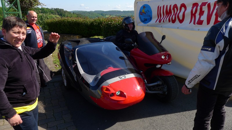 Fête de la moto a Belvès le 26 5 2013 P1000410