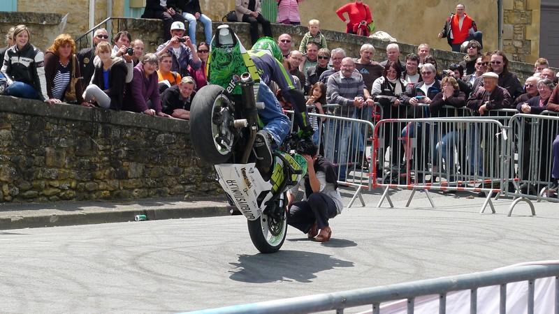 Fête de la moto a Belvès le 26 5 2013 P1000445
