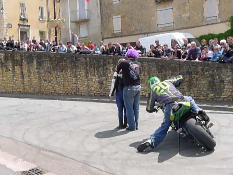 Fête de la moto a Belvès le 26 5 2013 P1000450