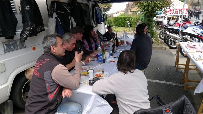 Fête de la moto a Belvès le 26 5 2013 P1000543