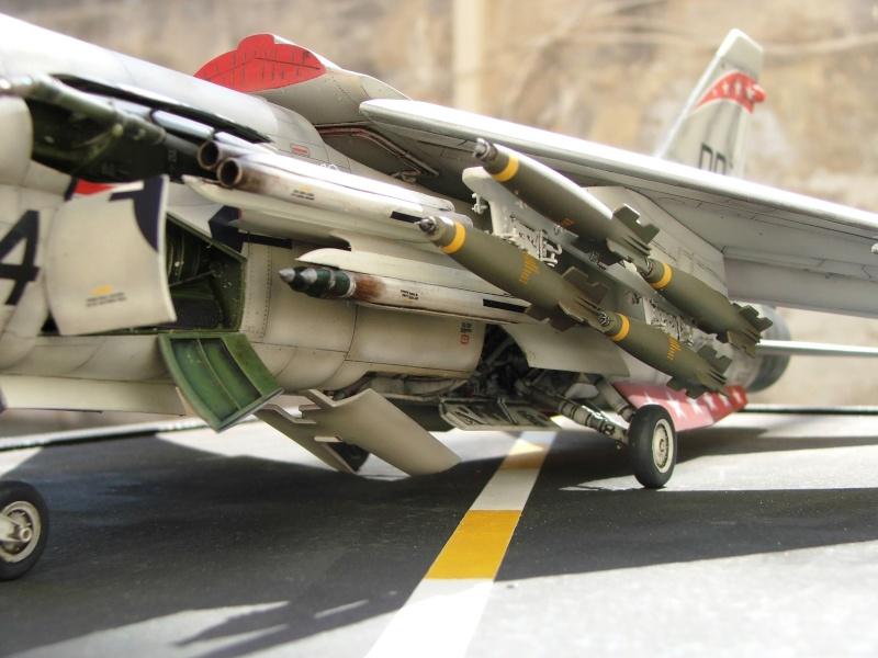 1/32nd F-8E Crusader - Page 10 Dscf3013