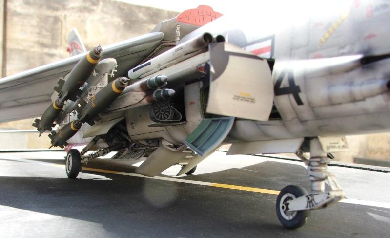 1/32nd F-8E Crusader - Page 10 Dscf3016