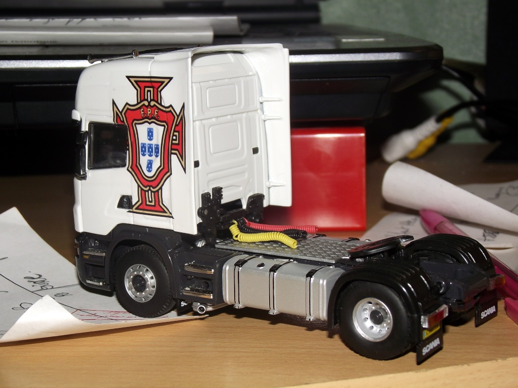 Miniatures camions 1/50 et 1/43 de David 36. 001410