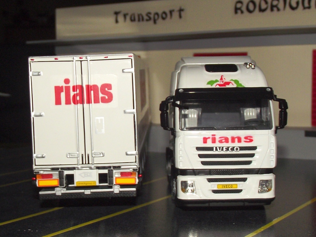 Miniatures camions 1/50 et 1/43 de David 36. Strali19