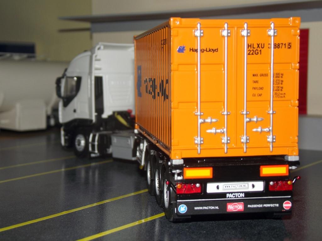 Miniatures camions 1/50 et 1/43 de David 36. Transp14