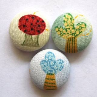 FABRIC BUTTONS! Whimsy10