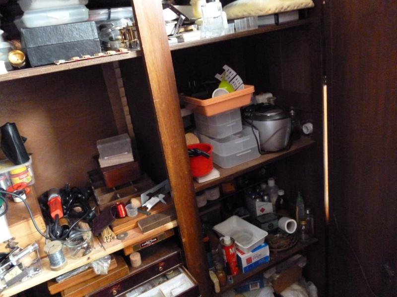 La caverne d'Ali Baba : Atelier et collection d'un passionné autodidacte réparant les montres! Photos35
