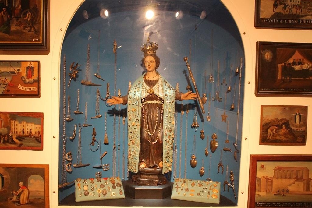 Le trésor de N D de Miséricorde Vierge10