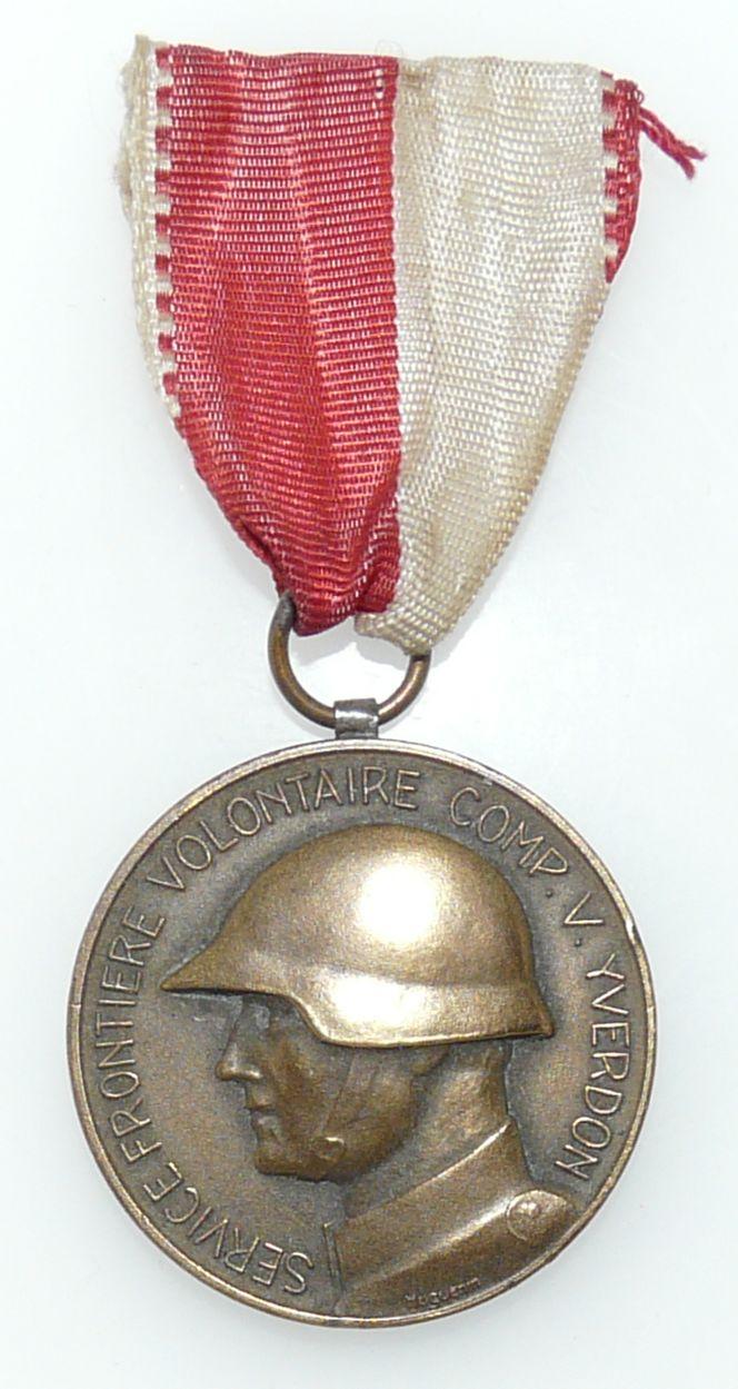 Anciennes médailles suisses 39-45 P1100710