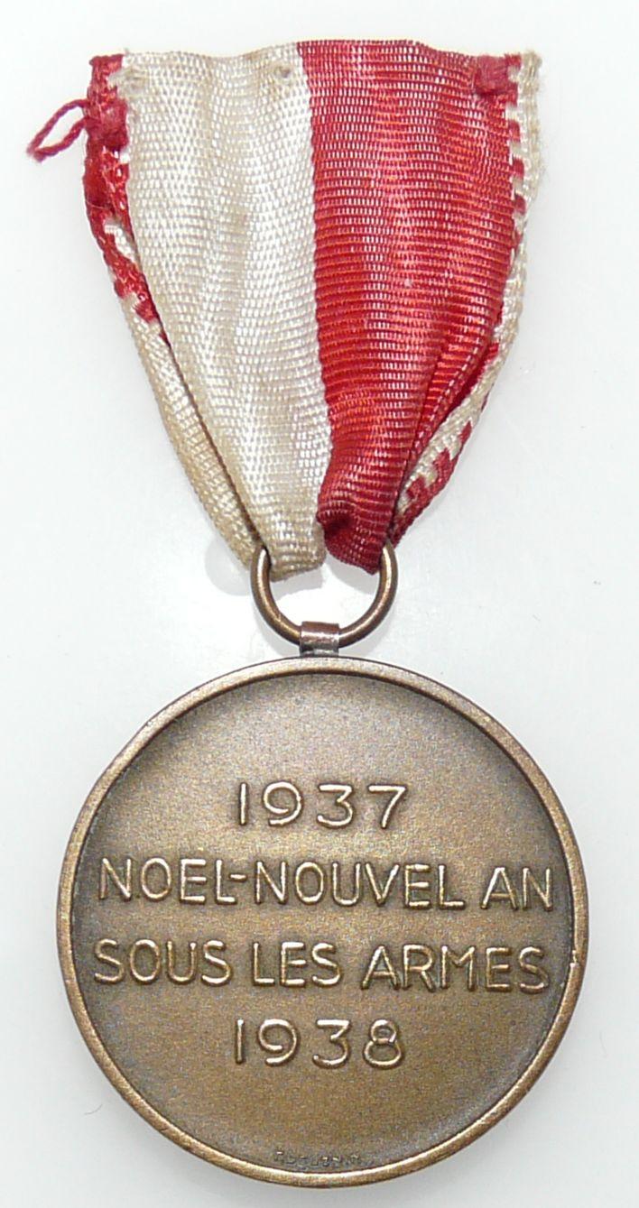 Anciennes médailles suisses 39-45 P1100711