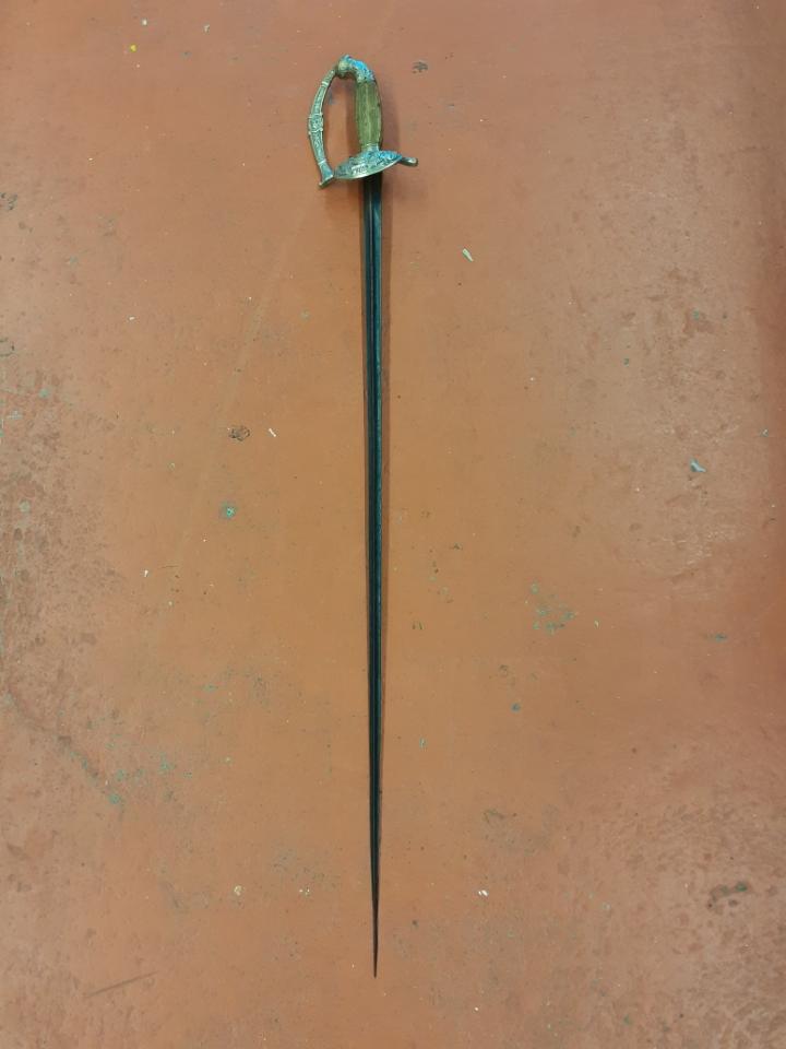 épée a identifier Resize15