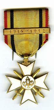 A identifier: médaille croix Sans-t12