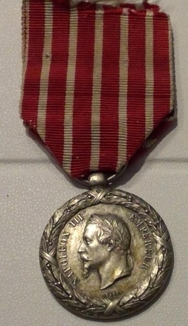 Médaille 1859 campagne d'Italie en pendentif originale ? Win_1790