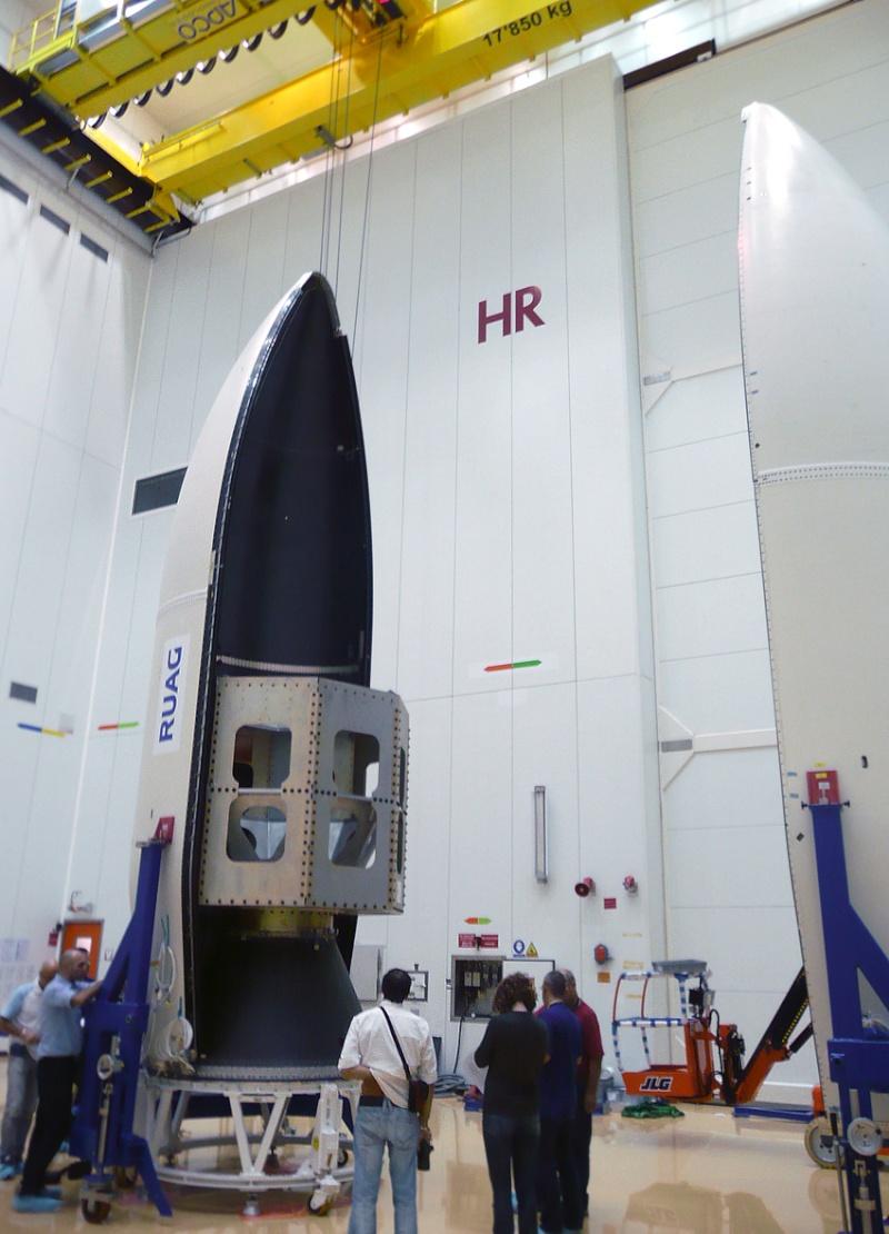 Vega - Le lanceur de l'ESA - Page 9 Encaps10
