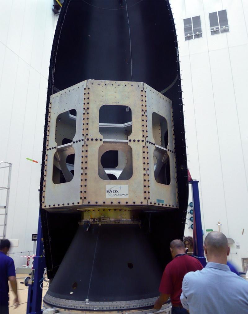 Vega - Le lanceur de l'ESA - Page 9 Encaps11