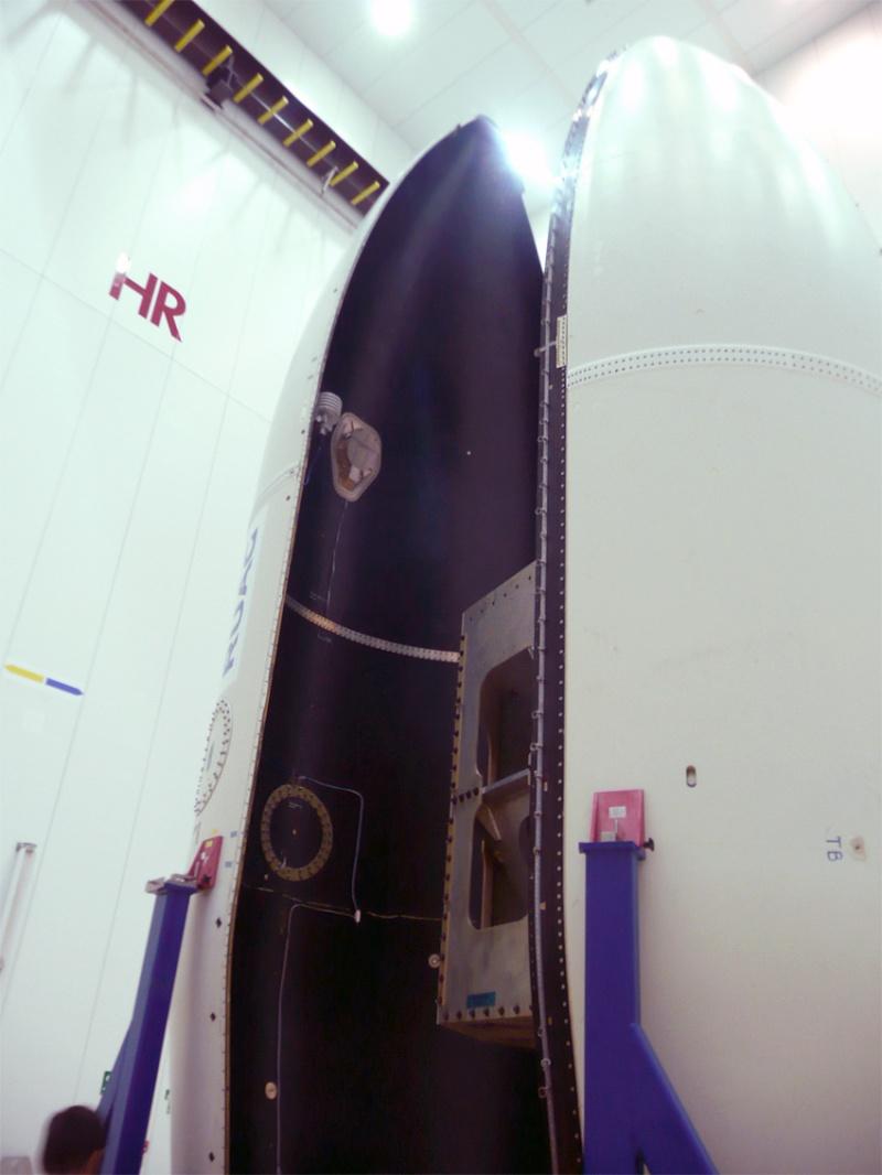 Vega - Le lanceur de l'ESA - Page 9 Encaps12
