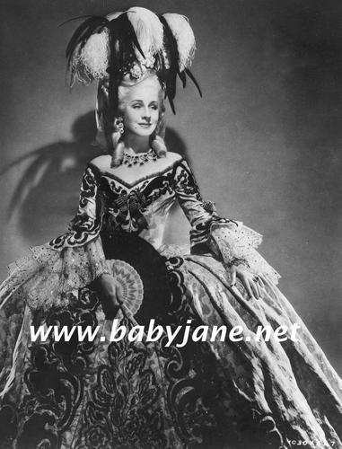 Marie Antoinette avec Norma Shearer (Van Dyke) - Page 5 1938_m10
