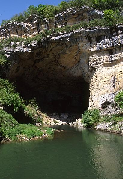 DEFIS ZOOM FRANCE 87 à 155 (Septembre 2010/Juin 2012) - Page 18 Grotte10