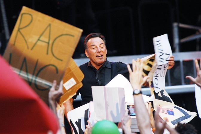 Bruce Springsteen - Page 18 Bru_0610